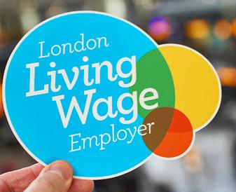 Living Wage Commitment: sprawiedliwe wynagrodzenia dla pracowników